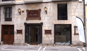 Fachada del Hostel Plaza Catedral de Pamplona